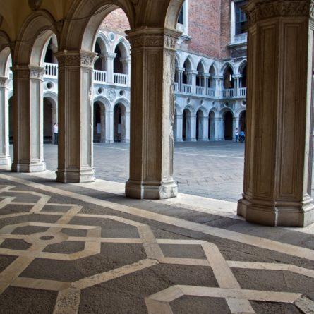 Venezia, cortile interno di Palazzo Ducale 3