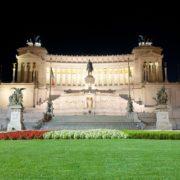 rome-piazza-venezia-monument-vittorio-emanuele-shutterstock_204250327