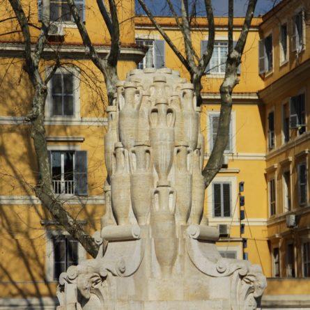 Roma – Piazza Testaccio – Fontana delle lanterne