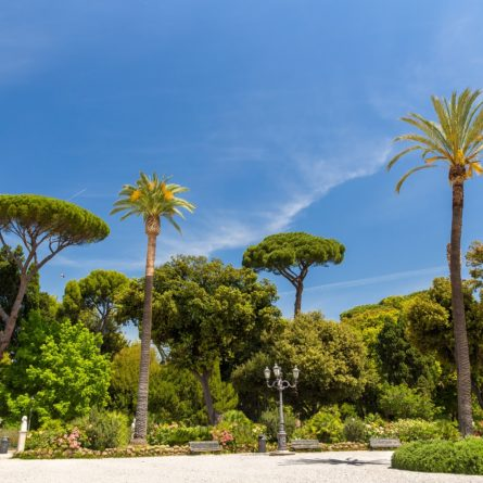 rome-borghese-gardens-shutterstock_199987481