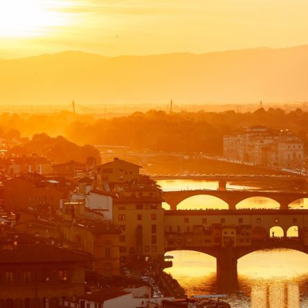 Bridges the arno river florence italy old town in evening sunset