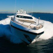 yacht en mditerrane