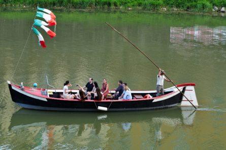 boat-tour-shutterstock_457039831